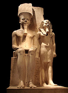 Horemheb_with_Amun