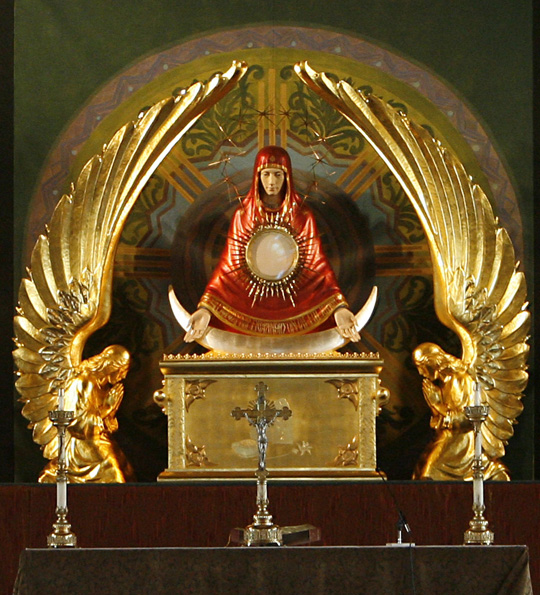 http://gnosticwarrior.com/wp-content/uploads/2013/03/Mary-Ark-of-the-Covenant-Monstrance.jpg