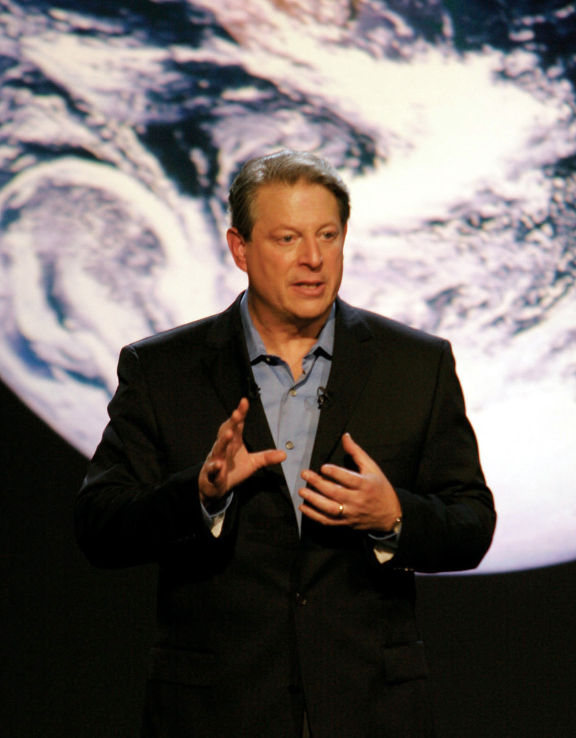 Al Gore Says Chemtrails Are 90 Million Tons of Poisonous Sulfur Dioxide Sprayed Into the Air Daily