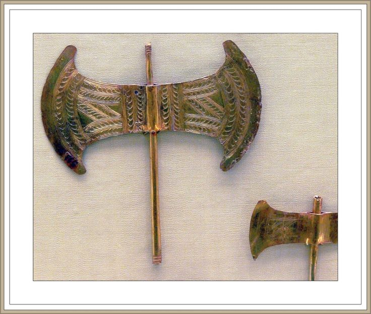 Cross - Crete axe 2