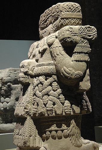 Serpent goddess aztecs